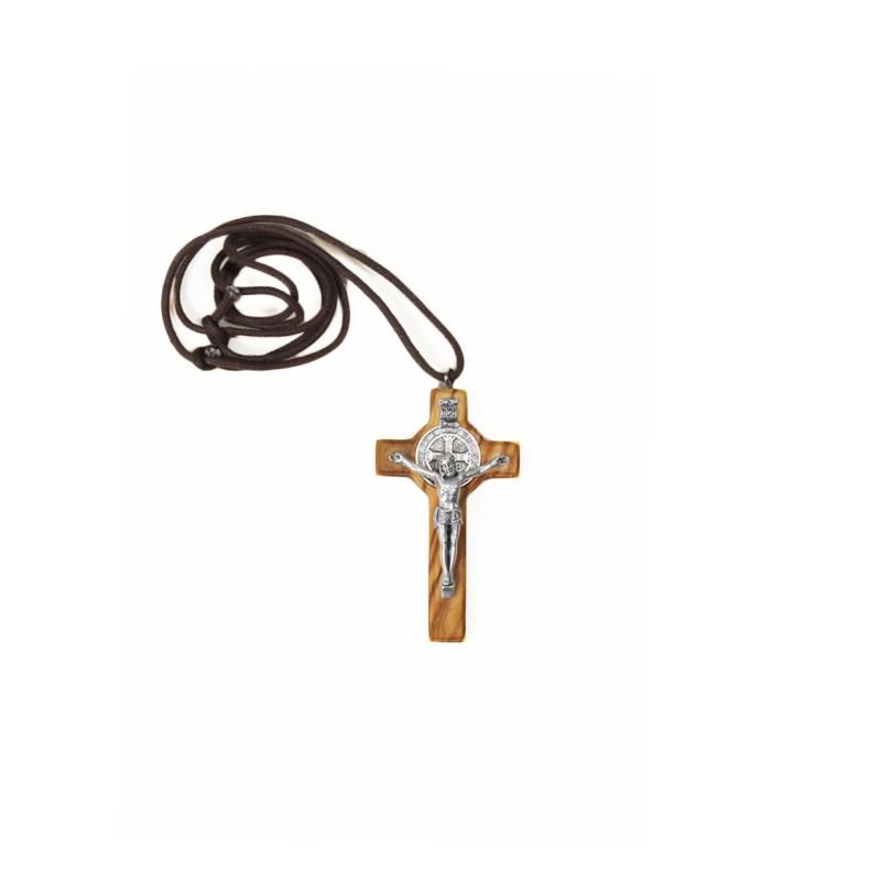 Pendentif croix de saint Benoit