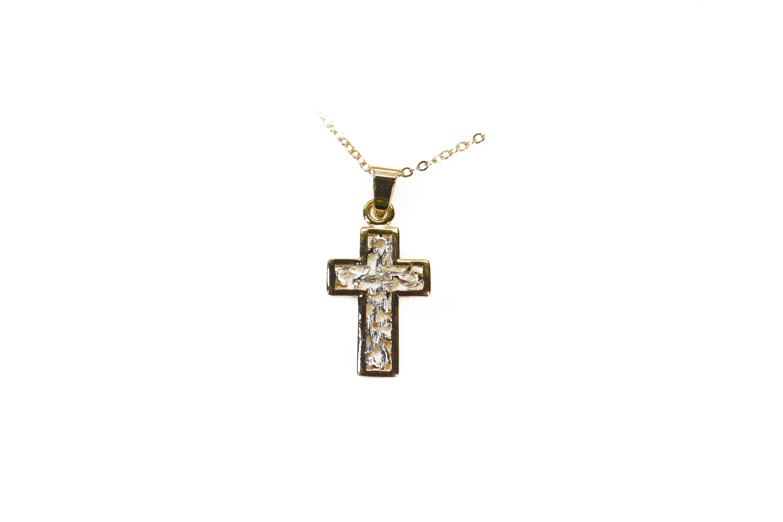 chaîne et croix / chain and cross