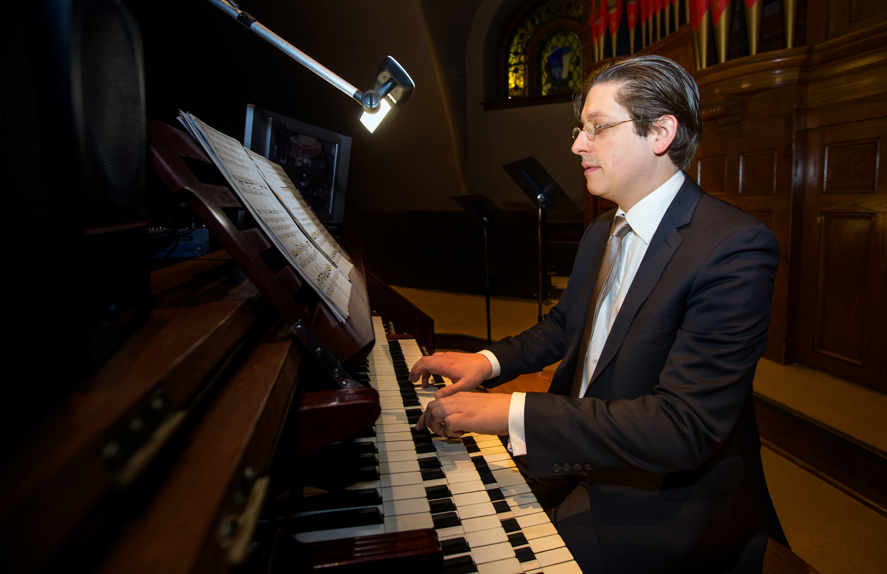 Vincent Boucher à l'orgue Casavant de la crypte de l'Oratoire Saint-Joseph