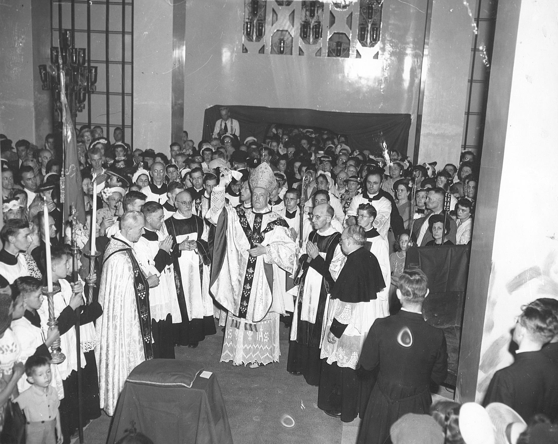 Bénédiction chapelle des ex-voto, Mgr Joseph Charbonneau, 1949