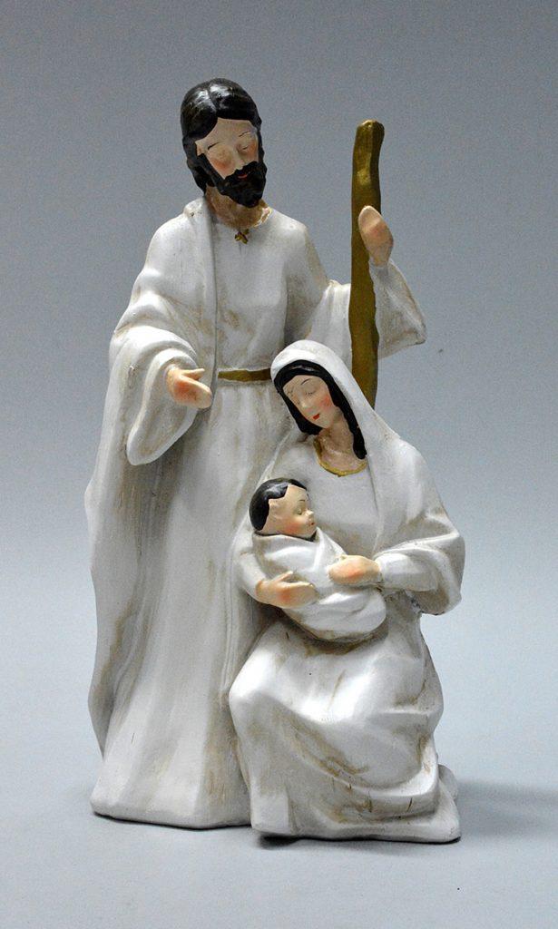 Joseph apparaît comme le protecteur de Marie et de l'enfant.