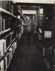 Le bibliothécaire du Centre, M. Jean-Bernard Léveillé // Josephology