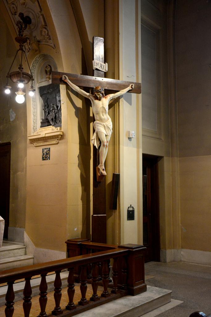 Jésus en croix dans la crypte de l'Oratoire Saint-Joseph, 2019
