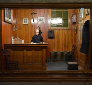 Frère André dans son bureau de consultation à l'Oratoire