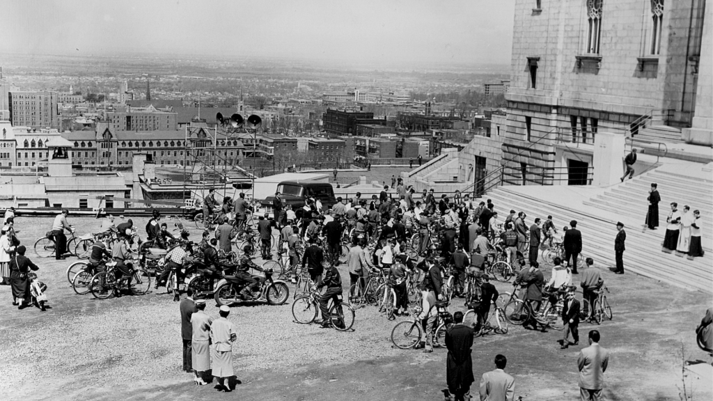 Bénédiction des cyclistes le 13 mai 1956
