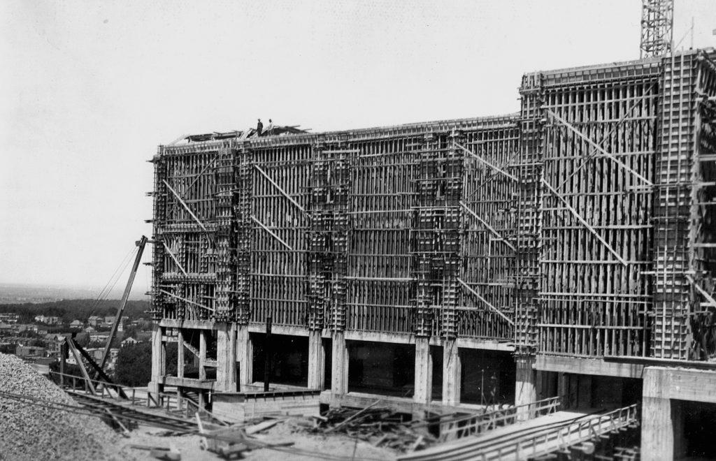 Élévation des murs de la basilique