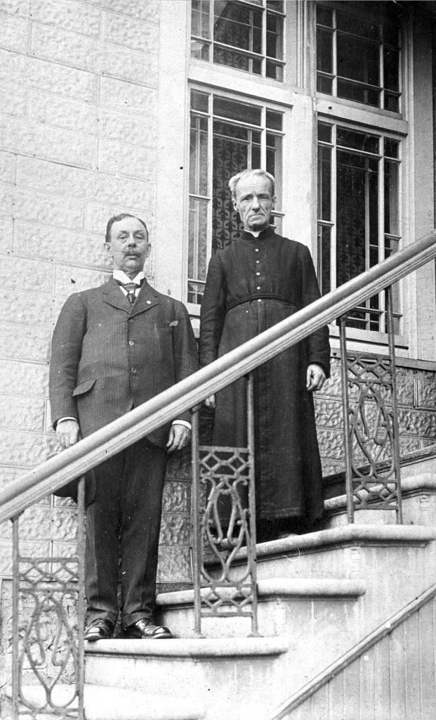 Frère André avec M. Lavallée